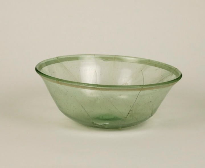 Glass bowl from the Merovingian period