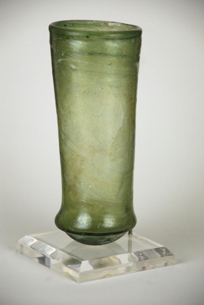 90E Merovingian green bell beaker