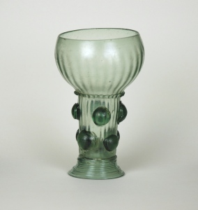 50E Roemer with Spherical Prunts C. 1650-1675 H 12cm