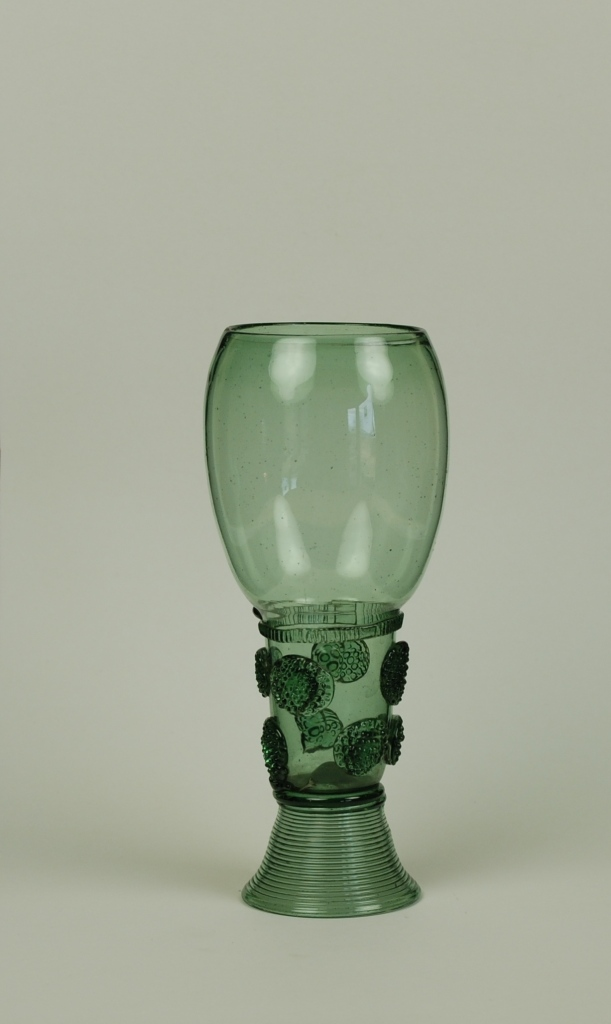58E Tall Dark Green Roemer Late 17th Century H 15.8cm