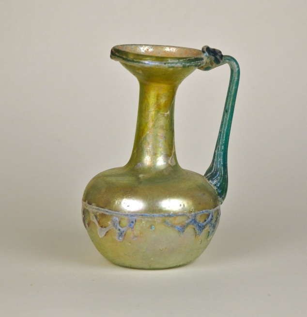 23R Zig Zag Roman Glass Pitcher