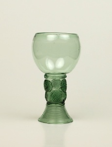 106E Small Green Glass Roemer It may be from the Netherlands. H: 11.5 cm 17th Century