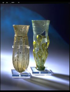Glass beakers found in  England 6th century