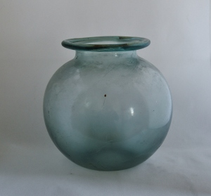 LARGE JAR OR URN