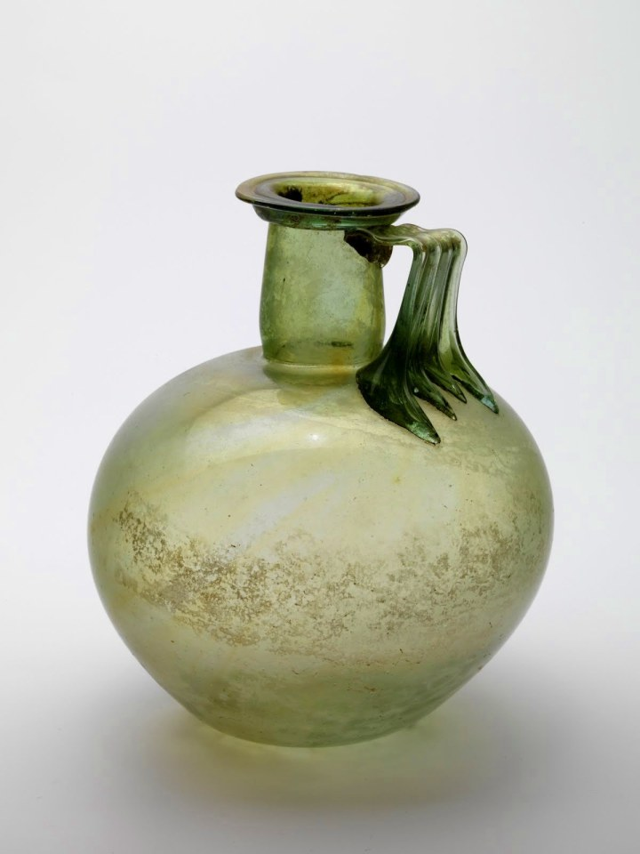 Roman globular jug