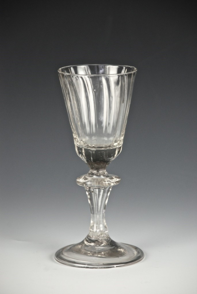 04E Bladed Knop 18th Century
