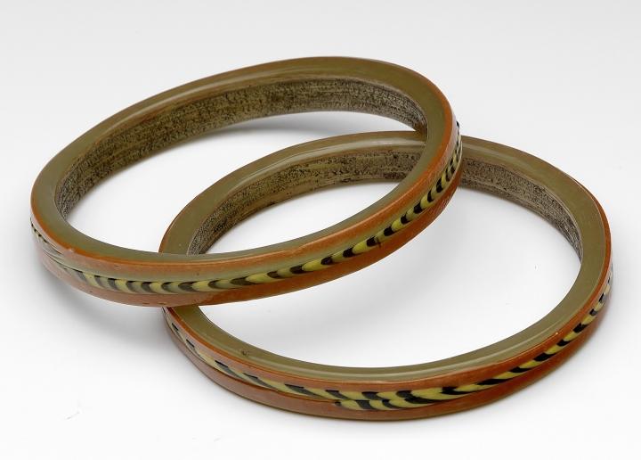 Set of two Roman glass bracelets