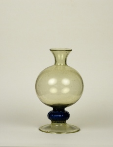 62E Spanish Bottle First half of 17th Century